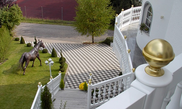 BALUSTRADE railings