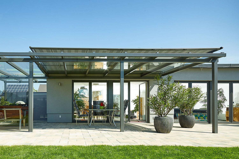 terrassendach aus aluminium zaunzar. Black Bedroom Furniture Sets. Home Design Ideas