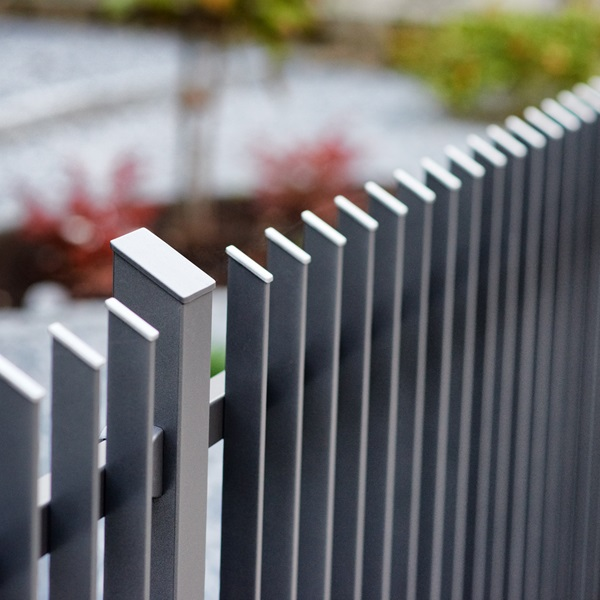 Custom aluminium railing fences made-to-measure